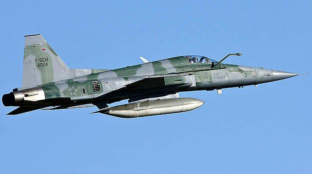 FAB usou um ca�a F-5 para interceptar o avi�o americano - FAB/Divulga��o