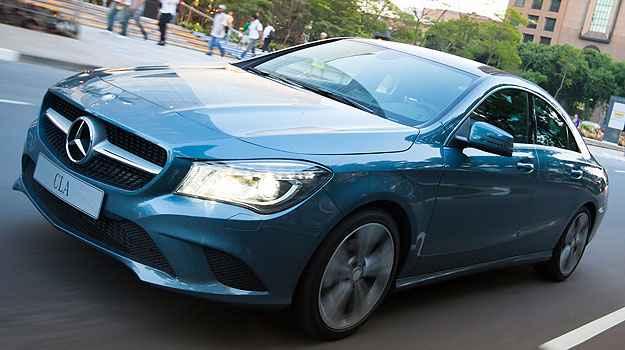 O Mercedes CLA 200 tem estilo mais agressivo, para conquistar o p�blico jovem (Est�dio Malagrine/Mercedes-Benz/Divulga��o)