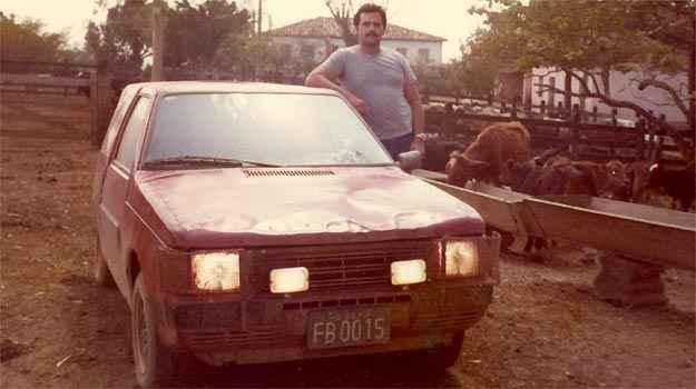 Daniel foi o primeiro a dirigir o prot�tipo do Uno, que ficava escondido e rodava com frente de 147 - Arquivo Pessoal