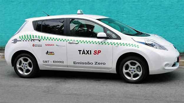 Nissan j� testa 25 Leaf el�tricos nas frotas de t�xis de S�o Paulo e do Rio de Janeiro, al�m de uma viatura da Pol�cia Militar do RJ -