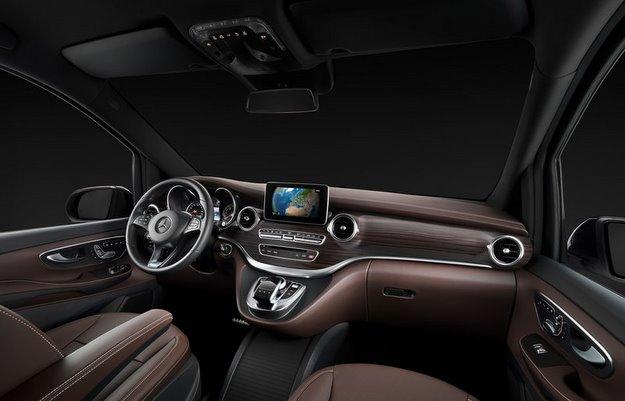 Equipada com motor 2.1 turbodiesel e tr�s op��es de pot�ncia, Classe V tem c�mbio autom�tico de sete velocidades (Mercedes-Benz/divulga��o)