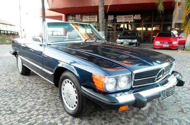 Mercedes-Benz SL 480 1975 est� mais acess�vel: R$ 105 mil - Reprodu��o/Vrum