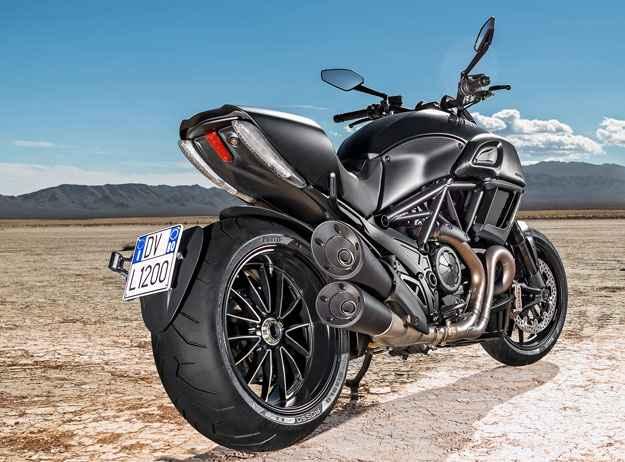 O motor fornece 162cv e há controle de tração e mapas de condução  - Ducati/Divulgação