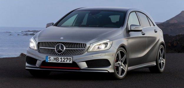 O hatch de luxo atinge velocidade m�xima de 240 km/h (Mercedes/divulga��o )