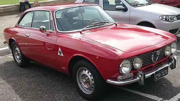 Outros modelos da marca também participam da caravana, como essa GTV 1974 - Túlio Silva/Alfa Romeo Clube MG/Divulgação