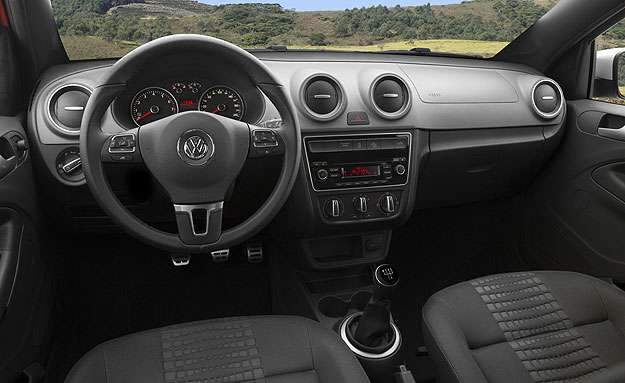 Interior da Saveiro Cross 2015 - Volkswagen/Divulga��o