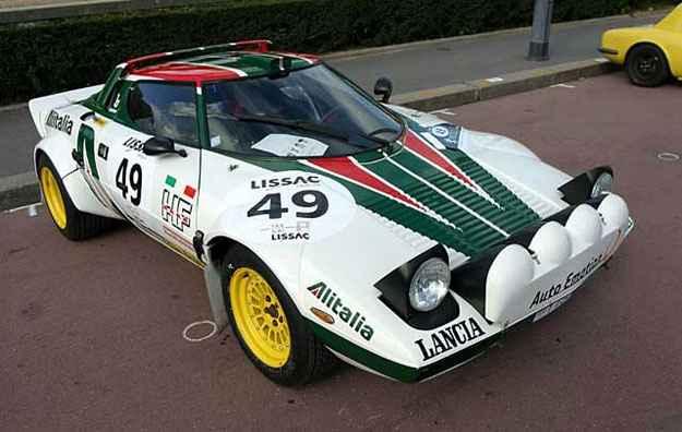 Com os t�picos tra�os atemporais de Gandini, o Lancia Stratos foi um grande campe�o de rallies na d�cada de 1970 (Lancia/divulga��o)