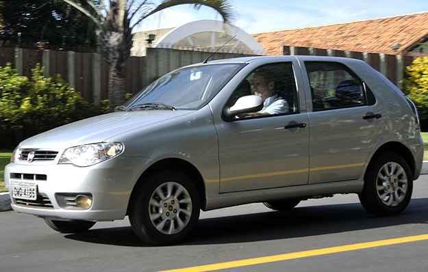 O Fiat Palio ficou na segunda posi��o de vendas do m�s - Juarez Rodrigues/EM/D.A PRESS