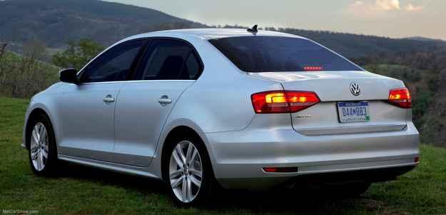 Lanterna ganhou novo corte, deixando a traseira mais moderna - Volkswagen/Divulgacao