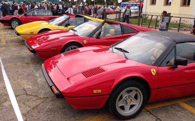 Ferrari V8 antiga lidera a importa��o da marca para o Brasil (Boris Feldman/EM/D. A Press )