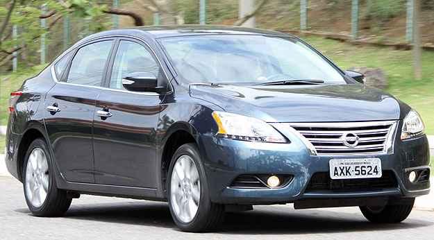 Nissan Sentra sobe para terceira posi��o dos sed�s-m�dios em abril