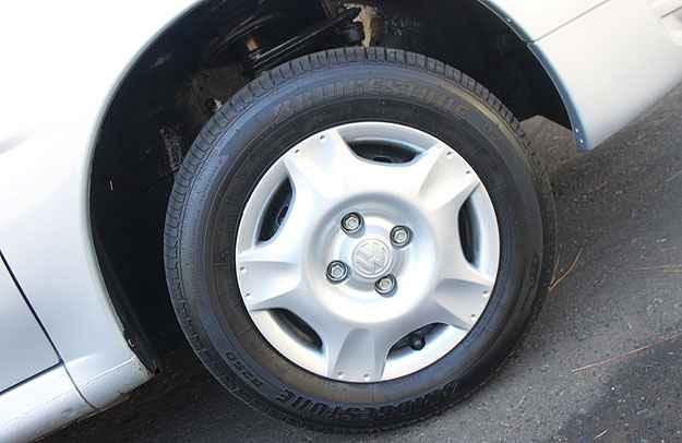 Posso usar o pneu reserva com os outros tr�s no meu Gol G4? - Marlos Ney Vidal/EM/D.A Press