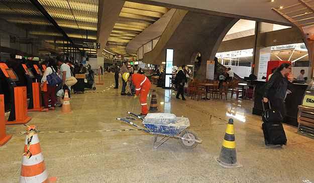 Obras no aeroporto de Confins trazem transtorno para os passageiros - Marcos Michelin/EM/D. A Press - 29/4/14