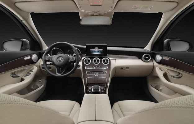 Amplo espa�o e conforto s�o duas prioridades da perua Estate (Mercedes-Benz/divulga��o)