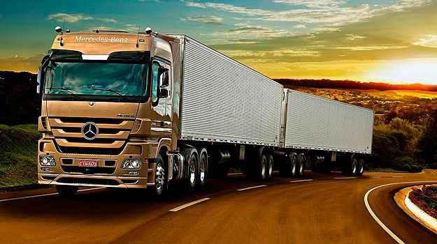 Unidade mineira produz o caminh�o extra-pesado Actrus - Mercedes-Benz/Divulga��o