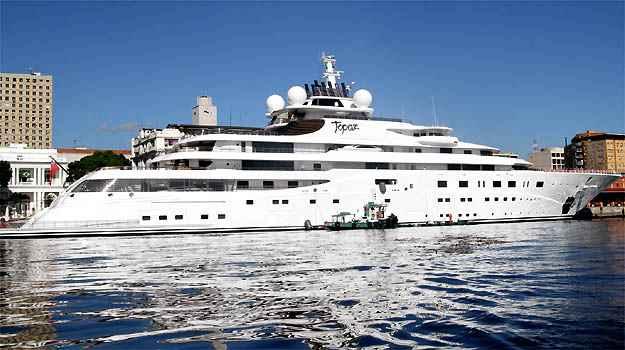 Dimens�es exageradas for�aram o barco a ancorar no porto do Rio de Janeiro, pois ele n�o caberia na Marina da Gl�ria -  Marcello S� Barretto/ AgNews