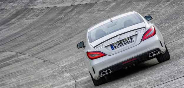 Op��o de transmiss�o autom�tica de nove velocidades garante mais economia de combust�vel (Daimler AG - Global Communicatio)