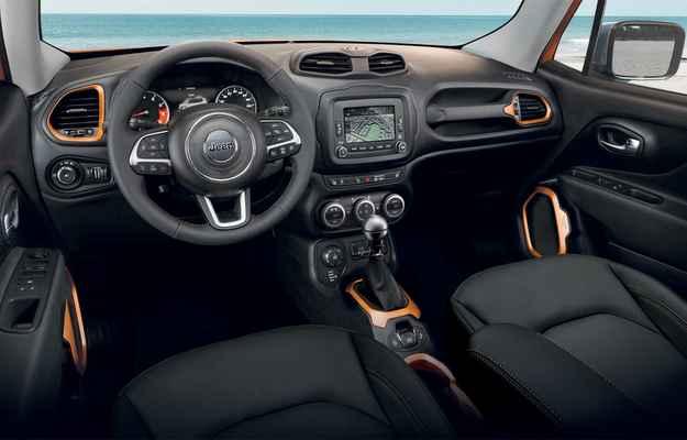 O volante é multifuncional  - Jeep/Divulgacao