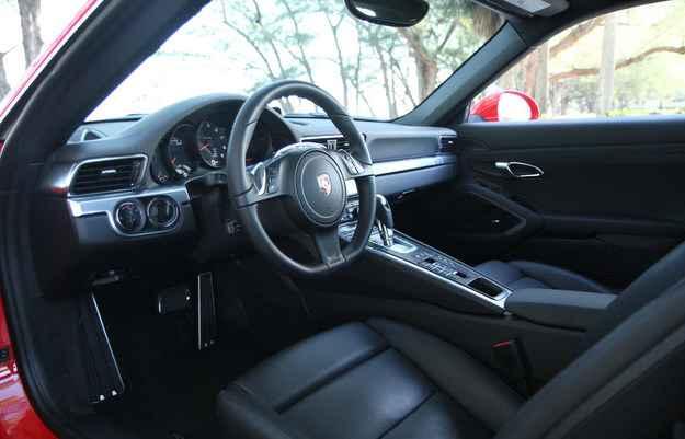 Posi��o de dirigir e o volante permite todo tipo de regulagem para melhor condu��o - Jorge Moraes/DP/D.A Press