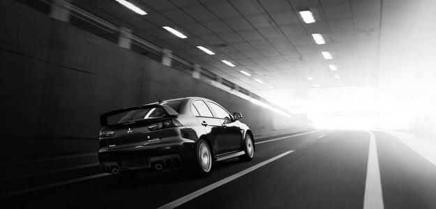 Lancer Evolution 2015 ganhou espelhos laterais com aquecimento - Mitsubishi/divulgacao