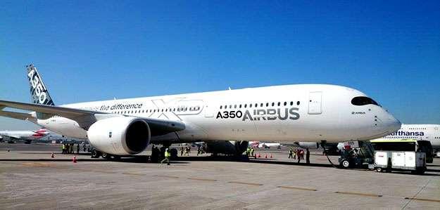 Airbus A350-900 pousa no Aeroporto de Guarulhos/SP. A passagem da aeronave pelo pa�s faz parte de uma das etapas do processo de certifica��o do modelo (Marcello Oliveira/EM/D.A.Press)