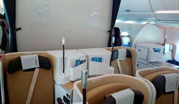A cabine de passageiros do Airbus A350 possui 223 assentos na classe econ�mica e 42 na classe executiva - Marcello Oliveira/EM/D.A.Press