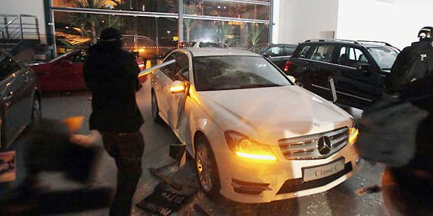 Vandalismo causou preju�zo de R$ 3 milh�es para a concession�ria (REUTERS)