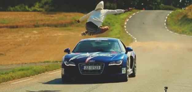 Niklas Strandbraten saltou R8 a 150 km/h (Divulga��o)