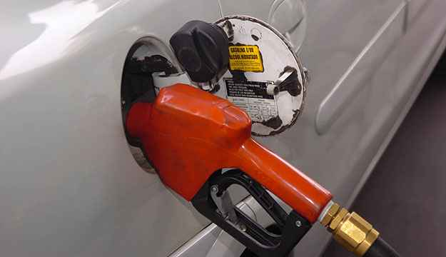 Governo Federal discutir� aumento da presen�a de etanol na gasolina