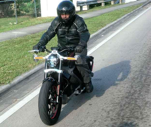 Aceleramos a elétrica Harley-Davidson LiveWire