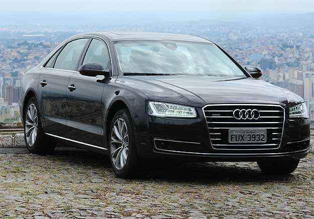 Audi A8 L 3.0 V6 exibe estilo e luxo digno de presidentes