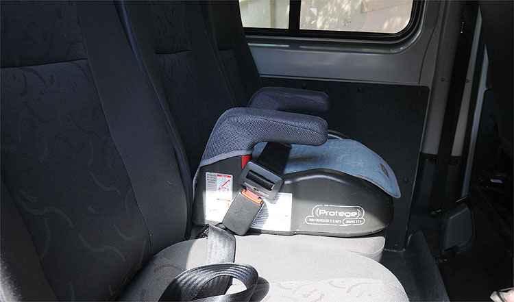Opini�o: Cadeirinha e assento elevado obrigat�rio em vans escolares?