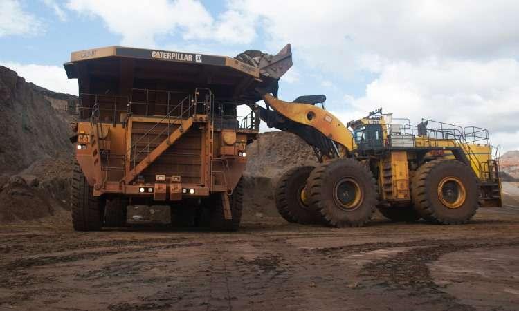 V�deo mostra rotina de caminh�o Caterpillar em mina na regi�o metropolitana de Belo Horizonte