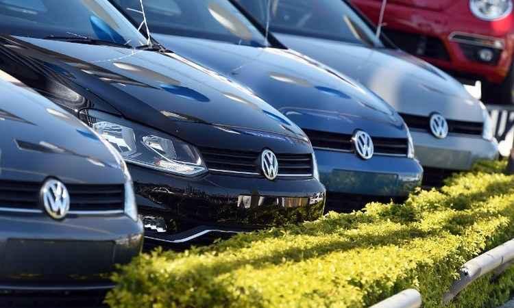 Volkswagen come�ou a usar software que burla emiss�es de poluentes em 2008, diz jornal