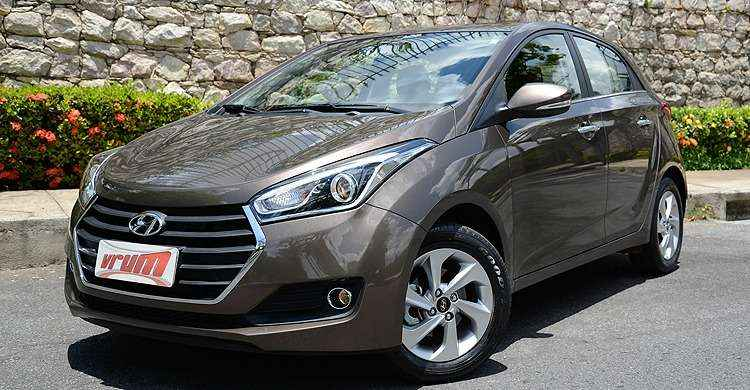VÍDEO: Hyundai HB20 Premium 1.6 é boa opção entre os compactos