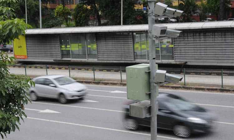 Com o advento dos radares, excesso de velocidade passou a ocupar primeiro lugar no ranking das infra��es - Gladyston Rodrigues/EM/DA Press