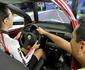 Aulas em simulador de direção nas autoescolas estão em vigor no Brasil