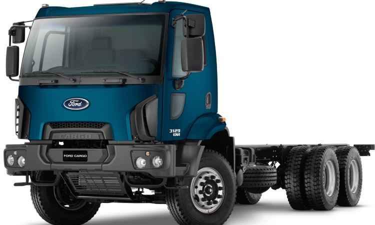 Ford lan�a quatro novas vers�es para a linha de caminh�es Cargo
