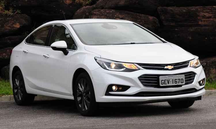 Chevrolet Cruze fica mais moderno e econ�mico; testamos a vers�o 1.4 turbo LTZ!