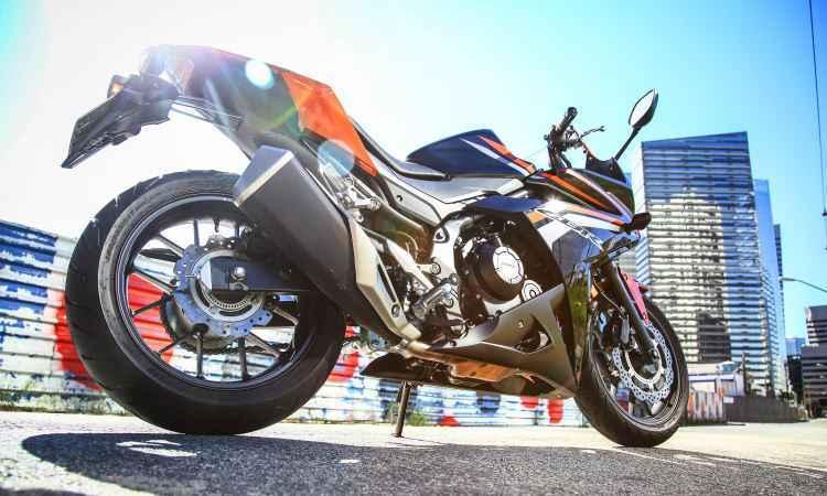 A partir de R$ 29 mil, Honda CBR 500R 2016 traz carenagem com visual brasileiro