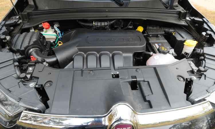 Motor gera 139cv com etanol, mas é pouco para o peso da picape - Jair Amaral/EM/D.A Press