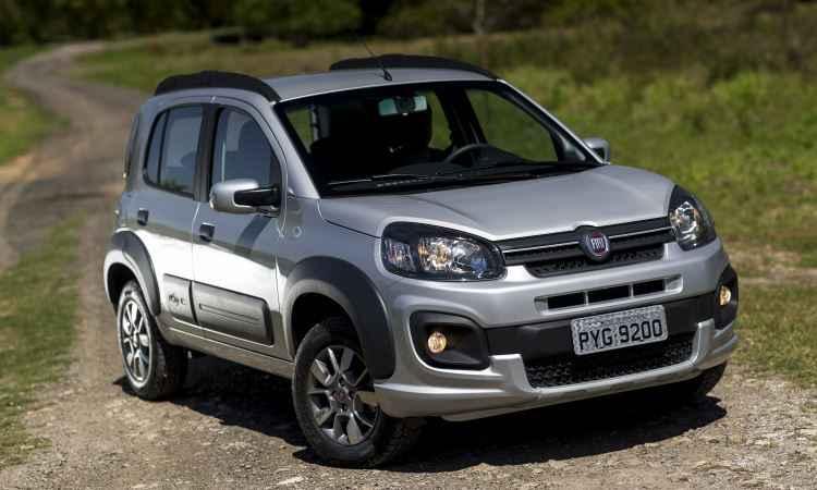 Fiat Uno 2017 muda na frente e adota novos motores 1.0 e 1.3 a partir de R$ 41.840