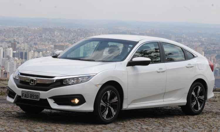 Câmbio CVT mantém desempenho do motor 2.0 no Honda Civic EXL; confira o teste!