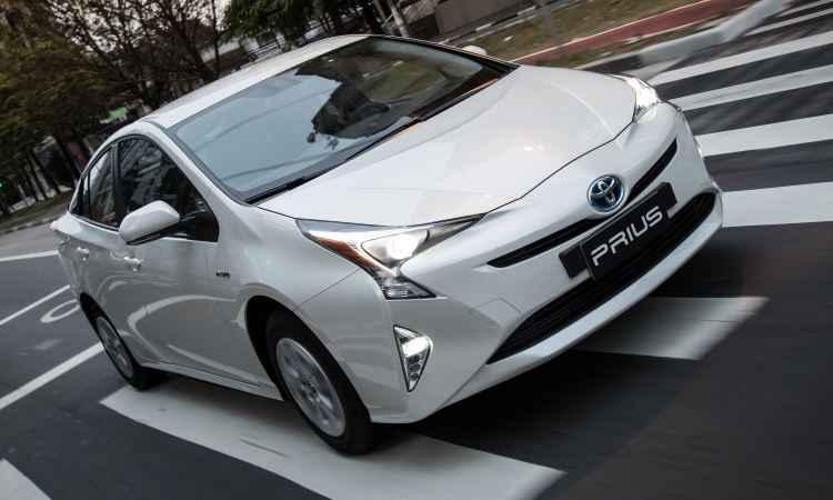 Novo Toyota Prius agora � convocado para recall no freio de estacionamento
