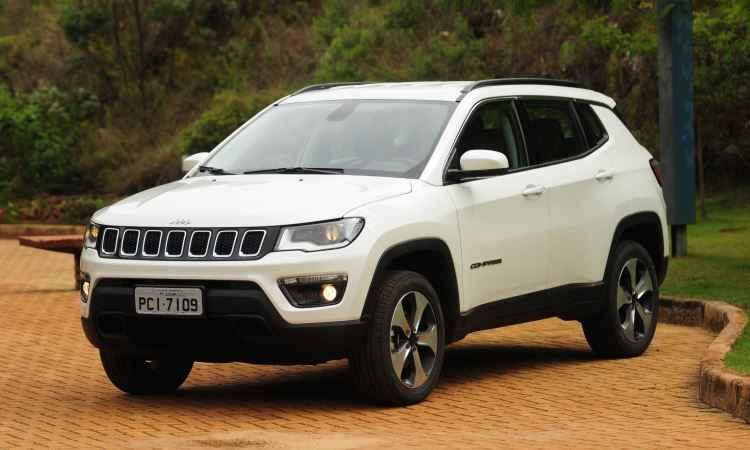 Jeep Compass é bem preparado para pequenas aventuras fora do asfalto; confira o teste!