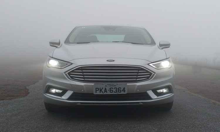 Para ter consumo de carro compacto, Fusion Hybrid precisa da ajuda do motorista