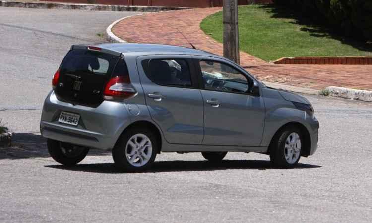 Destaque da traseira é a tampa de vidro, que é estilosa, leve e, segundo a Fiat, bastante resistente - Edésio Ferreira/EM/D.A Press