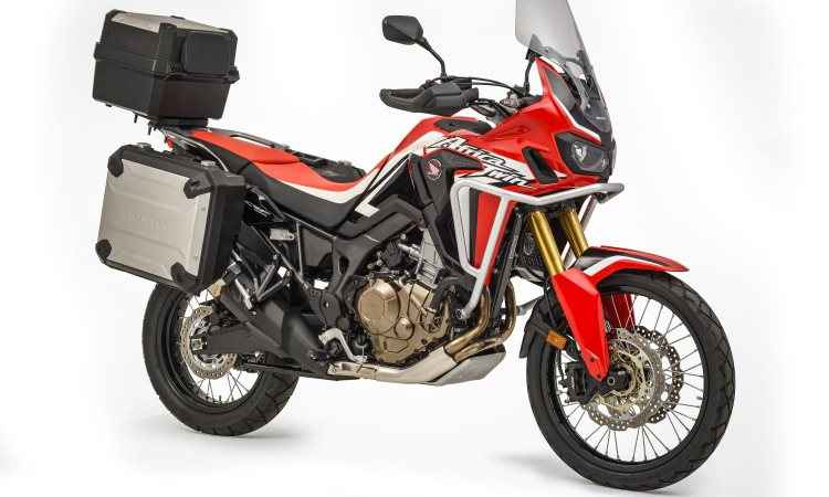 O motor de dois cilindros paralelos, equipado com controle de tração, fornece 90,2cv - Caio Mattos/Honda/Divulgação