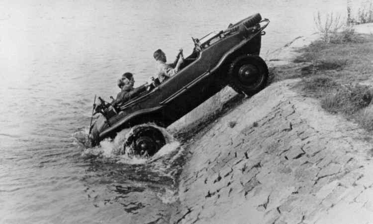 Durante a Segunda Guerra Mundial o projeto do Fusca deu origem a um veículo anfíbio - Volkswagen/Divulgação