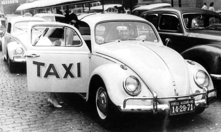 Quem tem mais de 35 anos de idade se lembra que o modelo era usado como táxi no Brasil, muitas vezes sem o banco do passageiro, para facilitar o acesso - Volkswagen/Divulgação